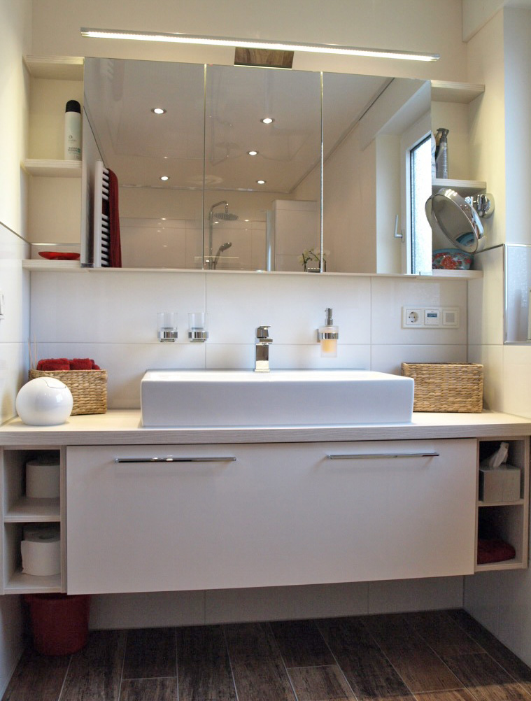 modernes bad maslinski. Black Bedroom Furniture Sets. Home Design Ideas